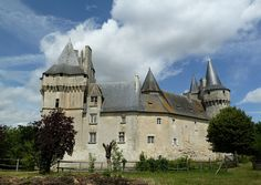 Château de Cherveux by wally52, via Flickr - Charente