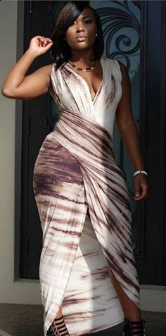 --> This is what va-va-voom looks like Print Plunging Neck Sleeveless Maxi Dress Curvy Girl Fashion, Love Fashion, Plus Size Fashion, Trendy Fashion, Looks Plus Size, Look Plus, Sexy Dresses, Cute Dresses, Cute Outfits