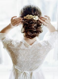 Ladies, I know the idea of a boudoir session can be intimidating—I felt the same way. But thankfully I overcame my shyness and did a quick session on my wedding day before meeting my groom. Bridal Braids, Bridal Hair Updo, Bohemian Style Dresses, Bohemian Bride, Loose Hairstyles, Bride Hairstyles, Hairstyle Ideas, Hair Extensions Best, Costume