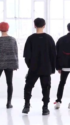 want those cargo pants Bts Jungkook Birthday, Jungkook Funny, Jungkook Abs, Kookie Bts, Bts Dance Practice, Dance Practice Outfits, Dance Kpop, Bts Inspired Outfits, Dance Music Videos
