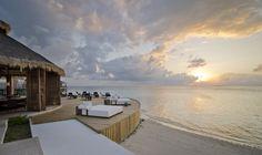 Jumeirah Vittaveli Resort, Maldives - Bar-EE Restaurant