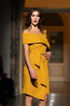 #orovicafashion #iconic #shouldersout Runway Fashion, Fashion Show, Womens Fashion, Peplum Dress, Strapless Dress, Timeless Fashion, Dresses, Design, Strapless Gown