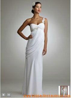 Robe de mariée longue plancher asymétrique