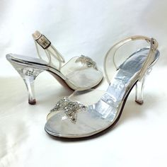 Carved Lucite Heels 'Glass Slipper' // Vintage 1950s, 60s Clear Plastic Evening Shoes with Clear Beads and Rhinestones // Size 6 1/2
