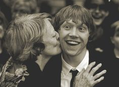 Oh Lord! this is the cutest!!! Maggie Smith and Rupert Grint