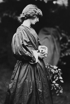 Dante Gabriel Rossetti and John R. Parsons (photographer). Jane Morris, 1865.