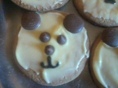 Easy teddy bear  biscuits which will help any Teddy Bears' picnic go with a swing !!!