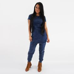 A classic Women's Washed Denim Tunic Top that gives an edgy and streetwear approach.