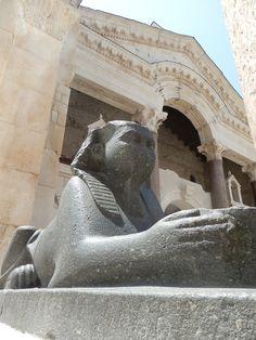 Split Croatia, Lion Sculpture, Statue, Nice, Croatia, Nice France, Sculpture, Sculptures