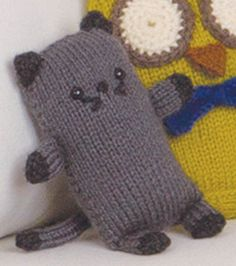 Loom Knit Cat - don't intend to loom-knit this little buddy, but I will consider it a worthy goal to figure out how to translate the pattern to normal knitting! So cute.