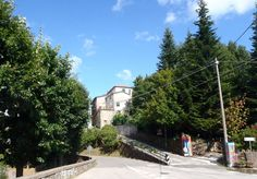 Apartment in Carro, Italy. A bright and spacious private flat in a characteristic hillside village, not far from Le Cinque Terre, Portofino and more! Set in the beautiful Val di Vara. Great fly/drive holiday. Ideal for walking and cycling. Perfect for families. Winter snow....