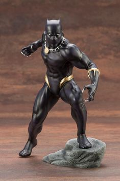 Kotobukiya's Marvel Comics ARTFX+ series has brought a range of characters to life in stunning detail in scale. The first entry in this new series is a character whose recent film has enjoyed record-breaking success, Black Panther! Marvel Dc Comics, Marvel Avengers, Marvel Now, Disney Marvel, Spiderman, Batman, Black Panther Statue, Black Panther Marvel, Character Base