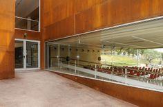 Biblioteca Les Roquetes (Nou Barris, Barcelona) barcelona_roquetes_09 | Flickr: Intercambio de fotos
