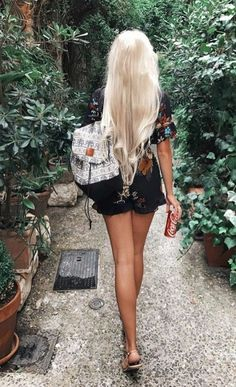 65 Top Blonde Hairstyles For You Are you ready to change your hair while summer is leaving? Gorgeous Blonde, Gorgeous Hair, Blonde Hair Designs, Blonde Beauty, Hair Beauty, Top Hairstyles, Blonde Hairstyles, Haircuts, Alena Shishkova