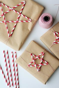 Paper Straw Stars DIY - Christmas gift wrap idea