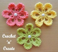 "Crochet For Beginners ""This sweet small flower applique, has just 3 rows, its so easy to make, it is great for the beginner crochet to practice with, create as many as needed to enhance your skills and then use them to decorate your next project. Crochet Small Flower, Crochet Flower Tutorial, Crochet Flowers, Crochet Leaves, Crochet Crafts, Crochet Projects, Knitting Projects, Diy Crafts, Flower Applique Patterns"