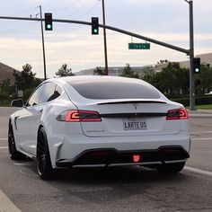 Take a await at the best tesla luxury cars inwards the photos below in addition to larn ideas for your novel c tesla luxury cars best photos Tesla Roadster, Tesla Electric Car, Electric Cars, Electric Vehicle, Tesla S, Tesla Motors, Triumph Motorcycles, My Dream Car, Dream Cars