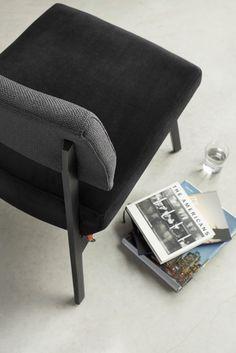 Fauteuil bicolore LINDSAY, Mobitec. Combinez les couleurs et/ou les matières pour donner à ce fauteuil sa touche finale !