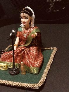Diy Golu Dolls, Diy Embroidery Patterns, Indian Artwork, Homemade Dolls, Indian Photography, Travel Photography, Paper Mache Crafts, Indian Dolls, Bride Dolls