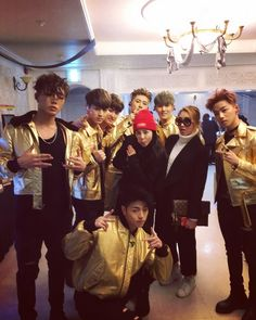 Dara's IG with iKON and Minzy