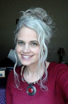 Výsledok vyhľadávania obrázkov pre dopyt robin smith gray hair
