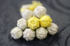 Thread-wrapped buttons