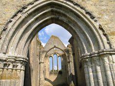 Yèvre-le-Châtel (Loiret), église saint-Lubin inachevée.