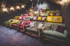 Ein Ort zum Verlieben: Wohnzimmer-Kino on http://www.drlima.net