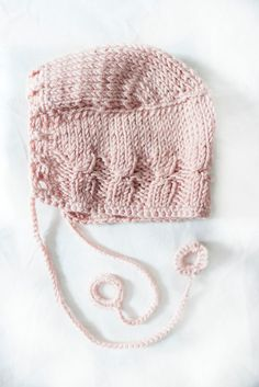 Made to order. Newborn present. by Jacobstoyshop on Etsy Crochet Baby Bonnet, Crochet Baby Hats, Baby Hats Knitting, Knitted Baby, Baby Layette, Baby Bonnets, Handmade Baby, 12 Months, Winter Hats