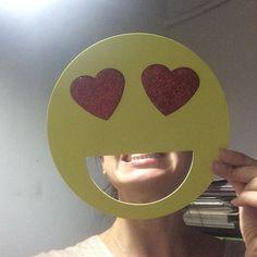 Gülümseyin aşkla