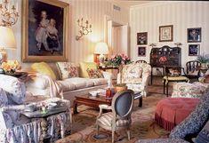 Farewell Mario Buatta, The Beloved Prince of Chintz - The Glam Pad Verona, Furniture Decor, Furniture Design, Arranging Furniture, Handmade Furniture, Rustic Furniture, Home Interior Design, Interior Decorating, Mario Buatta