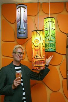 Shag has a drink with tiki lights