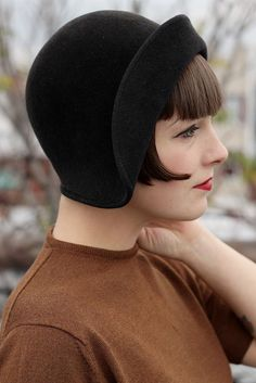 Accessoires mode années 20 - hats for women Love Hat, Mode Vintage, Vintage Prom, Dress Vintage, Felt Hat, Fascinators, Headpieces, Headgear, Headdress