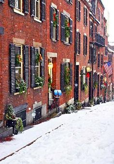 I WILL SO LIVE HERE SOMEDAY!!! Boston in Winter #Boston #holidays #snow @Lindsey Steury