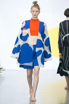 Yii SS-16: big print kimono jacket, orange crop top, blue shorts. Big print