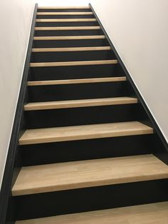 Photo Staircase of araynaud Black Stairs, Wood Stairs, Basement Stairs, House Stairs, Black Painted Stairs, Railing Design, Staircase Design, Pine Stair Treads, Staircase Makeover