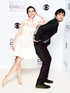 The CW Reign win the People's Choice Award - Adelaide Kane (Mary) and Torrance Coombs (Bash) pose with the award