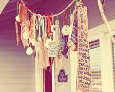 20 Thankful Garlands and Gratitude Tree Crafts for November {Saturday Inspiration & Ideas} - bystephanielynn