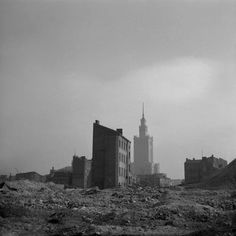 Ruiny kamienic przy ulicy Grzybowskiej - post war Warsaw...with brand spanking new Palace of Culture and Science gifted by Stalin...