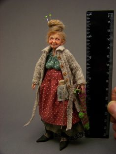 *ThiCkEt PeOpLe*---Witch ---1/12th scale doll--Selda--------M