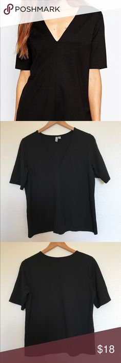 EUC ASOS The Ponte Top ASOS The Ponte Top w/ V Neck Detail. Comfortable, stretchy mid weight fabric. Elbow length sleeves. Body fit. Worn once to job interview. EUC. ASOS Tops Tees - Short Sleeve
