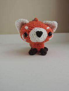 Porte clefs Panda roux crochet peluche amigurumi kawaii : Porte clés par histoiredunfil