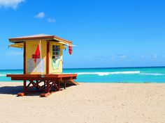LIFE GUARD TOWER - Photo by Aaron Whitaker (Hollywood, Florida)