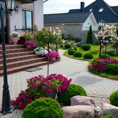 Design Ideas For Your Garden - Homenbath Front Yard Garden Design, Backyard Garden Design, Small Garden Design, Outdoor Landscaping, Front Yard Landscaping, Landscaping With Rocks, Landscaping Design, Back Gardens, Outdoor Gardens