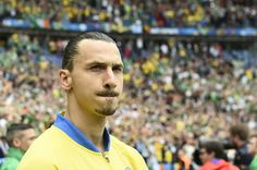 Sweden's forward Zlatan Ibrahimovic looks on before the Euro 2016 group E football match between Ireland and Sweden at the Stade de France stadium in Saint-Denis, near Paris, on June 13, 2016. / AFP / JONATHAN NACKSTRAND