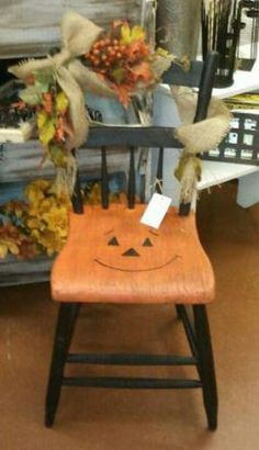 Jack-O-Lantern chair in The White Barn in the Feathered Nest Market in Oklahoma City Sept. Whimsical Painted Furniture, Hand Painted Chairs, Hand Painted Furniture, Fall Halloween, Halloween Crafts, Halloween Decorations, Halloween Magic, Halloween Witches, Halloween Ideas