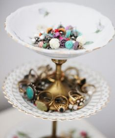 diy - vintage jewelry stand Small vintage dishes/bowls, small brass candlesticks and super glue