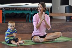 Want to get children to quietly contemplate? Children are taught to imitate a frog by being still while listening carefully. The Family Meditation Session Teaching Mindfulness, Mindfulness For Kids, Mindfulness Practice, Learn To Meditate, Namaste Yoga, Spiritual Practices, Yoga For Beginners, Stress Relief, Kids Learning