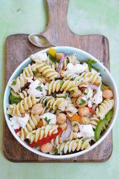 Mozzarella, Pasta Salad, Ethnic Recipes, Food, Crab Pasta Salad, Essen, Meals, Yemek, Eten