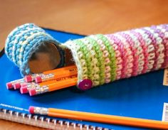 Crochet case for pencils and pens.  This could also be used for holding crochet cooks, makeup brushes, etcetera!    ~ Lee Ann. Crochetgottalove.blogspot.com     http://www.petalstopicots.com/2013/08/crochet-case-for-pencils-perfect-for-back-to-school/